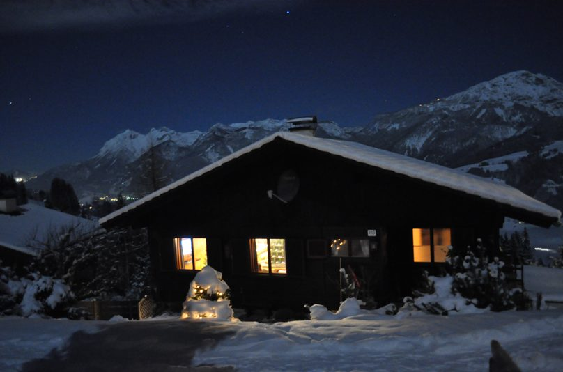 winter unser haus in den bergen. Black Bedroom Furniture Sets. Home Design Ideas